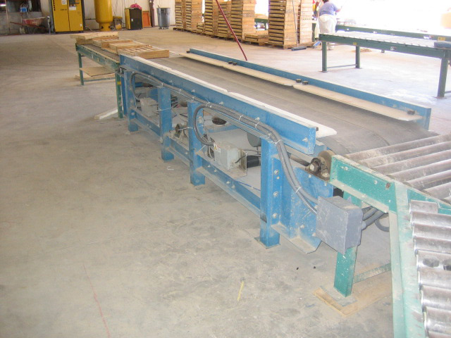 Molds after passing over vibratory belt conveyor