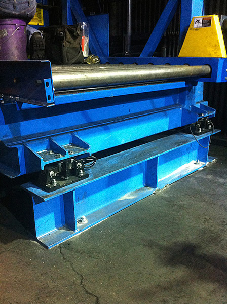 Powered Roller Conveyor over Vibrating Grid Deck Table