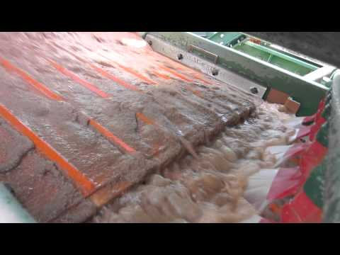 Product recovery from silica sand tailings stream
