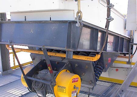 Vibrating Feeder under Hopper at Aggregate Plant