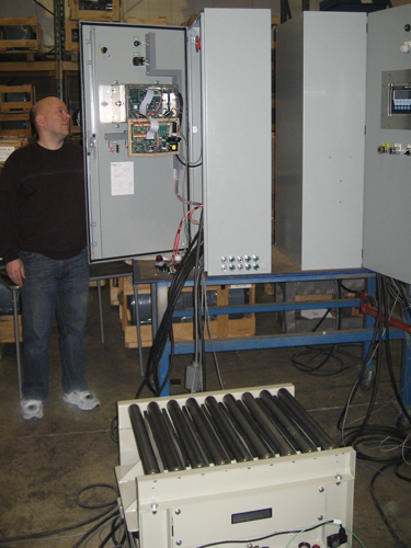 automated vibrating tables for powder compaction