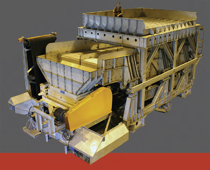 Integrated dewatering system with double roll crusher