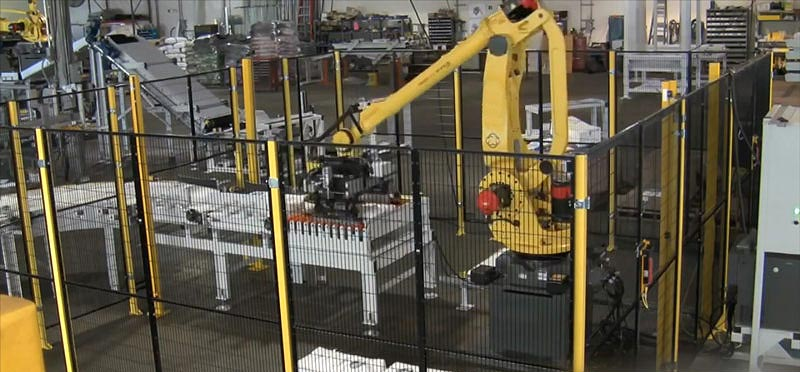 Palletizing Machines and Palletizing Robots