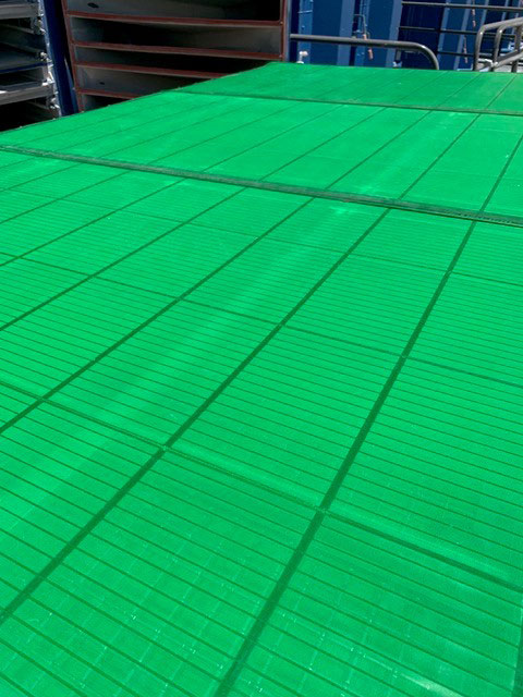 frac-sand-screening-polyurethane-panels