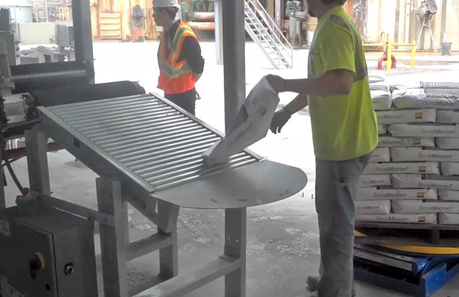 gravity roller for hip palletizing of filled bags