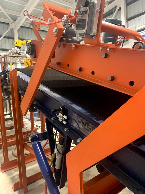 bag flattener conveyor to robot pick conveyor