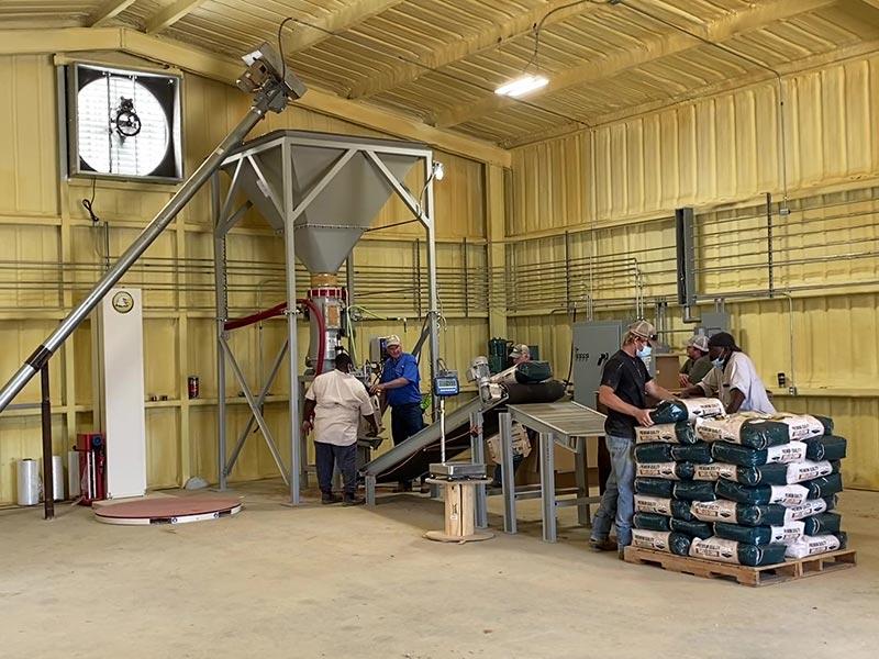 grain bagging system for shelled corn deer corn